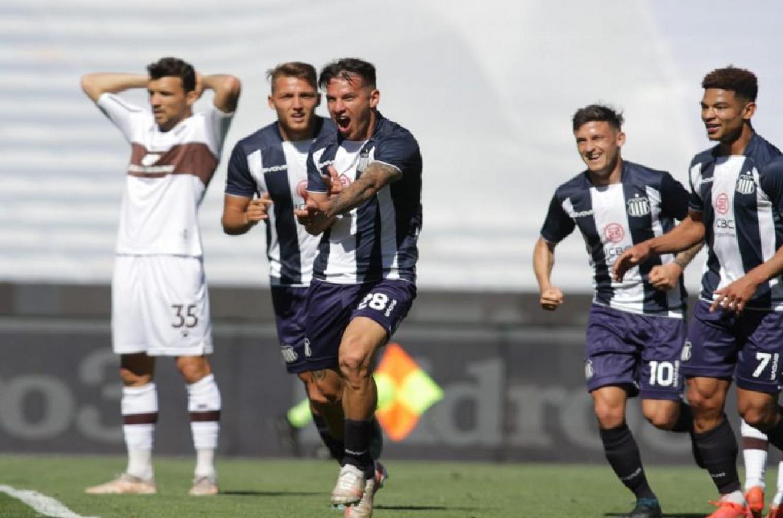 Fútbol: Talleres superó a Platense para seguir en lo más alto junto a Lanús