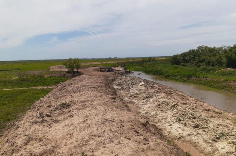 Los terraplenes arroceros en La Paz están haciendo estragos ambientales. La Justicia no se da por enterada ni siquiera por oficio.