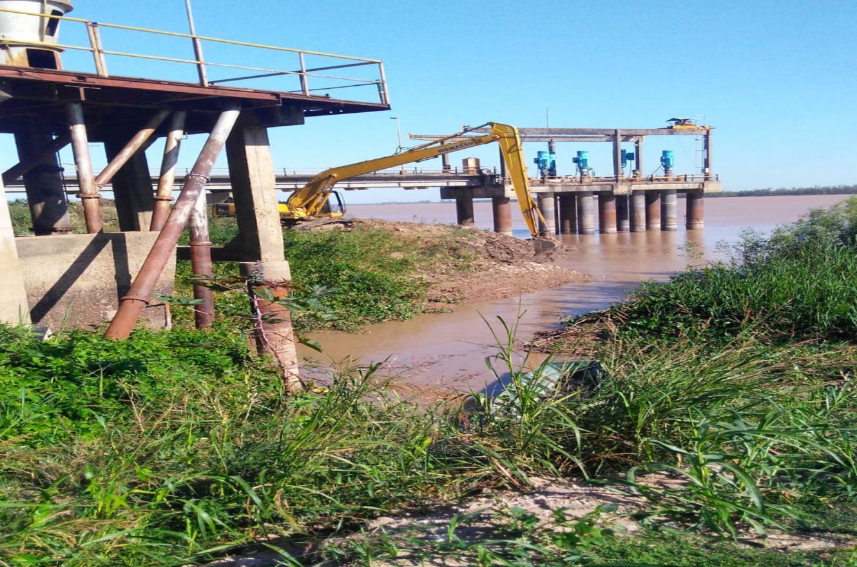 Toma de agua en Paraná.