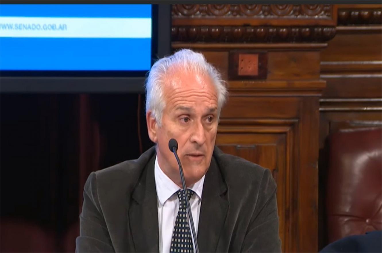 El titular de la UIF, Carlos Cruz, aseguró que investigará la fuga de divisas a través del Paraguay.