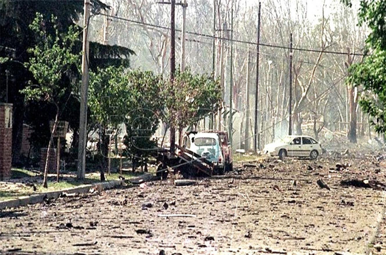 El 3 de noviembre de 1995 fue la explosión deliberada de Río Tercero (Córdoba) con un saldo de siete muertos, más de 300 heridos y graves daños materiales.