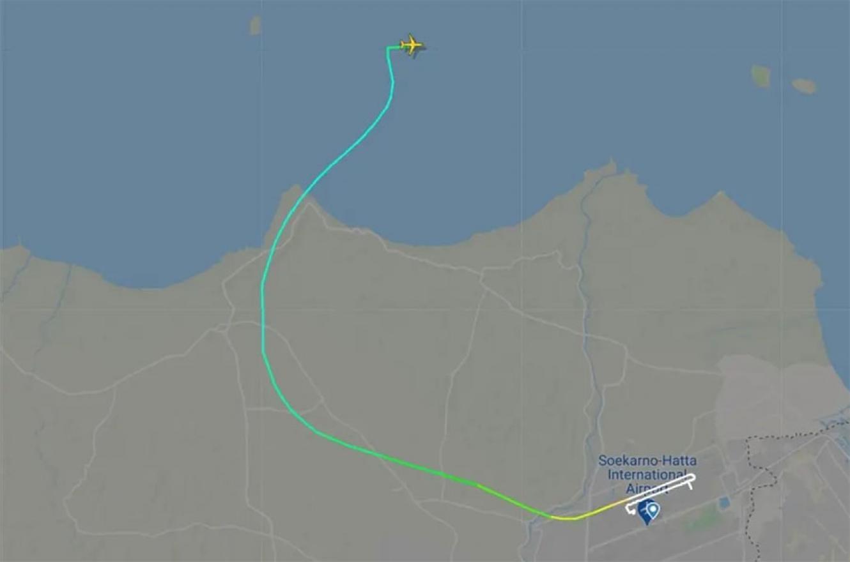 El Boeing 737-500 de la aerolínea Sriwajaya Air perdió contacto minutos después de partir de la ciudad de Jakarta, Indonesia.