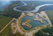 Vista aérea del improvisado proyecto inmobiliario Amarras del Gualeguaychú, cuestionado por su ilegalidad, irregularidad y su daño ambiental.