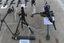 Algunas de las armas secuestradas durante el operativo contra la megabanda.