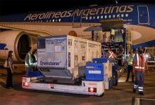 """La """"Operación Beijing"""" traerá al país el tercer millón de vacunas de los cuatro que Argentina compró a Sinopharm."""