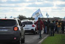 La Asamblea Ciudadana protestó contra la pastera UPM Botnia en el paraje Arroyo Verde. (Fotografía: gentileza Ricardo Santellán).
