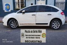 El Citroën, modelo C4 secuestrado en el marco de la investigación por el violento robo ocurrido en inmediaciones de un corralón en Paraná.