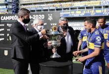 A nueve meses de su consagración, Boca recibió el trofeo de la Superliga