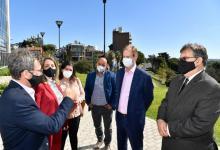 Bordet firmó los contratos para iniciar obras sanitarias y de gas en cuatro localidades