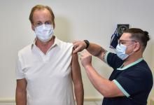 Bordet recibió la segunda dosis de la vacuna Sputnik V