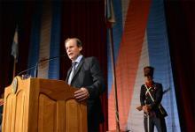 Fotografía de archivo del gobernador Gustavo Bordet, cuando el año pasado dejó inaugurado el 140° período de sesiones ordinarias de la Legislatura entrerriana.