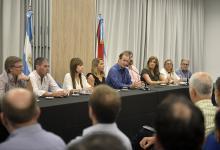 El gobernador reunió a su gabinete y a legisladores oficialistas y opositores para informar las acciones que lleva adelante la provincia para reducir la propagación del nuevo coronavirus.