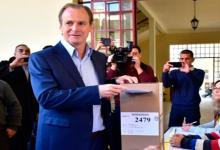 Bordet votando