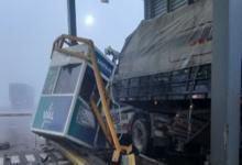 El camión embistió la cabina y un utilitario en el kilómetro 22 de la autovía Rosario-Santa Fe.