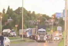 Transportistas autoconvocados volvieron a manifestarse en los accesos a Paraná