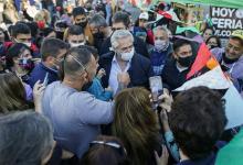 """Alberto Fernández le pidió al gabinete que acelere la gestión. Los jefes comunales irán """"casa por casa"""" a buscar a los más de cuatro millones de personas que no fueron a votar."""