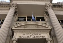El Central flexibilizó las normas para la compra de dólares para los importadores