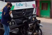 choque moto camión en La Paz
