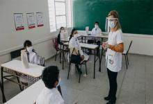 """Evalúan la posibilidad de """"intensificar la presencialidad"""" en las escuelas de todo el país, a partir de la mejora de los indicadores sanitarios."""