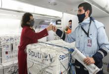 El nuevo vuelo de Moscú traerá 100 mil dosis de componente 1 y 400 mil dosis del esperado componente 2.