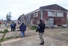 Hallaron 20 trabajadores del arándano viviendo en condiciones de hacinamiento
