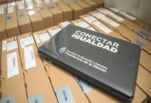 """El Estado argentino repatrió fondos que tenía depositados en el FMI y que serán destinados a la compra de 70 mil computadoras en el marco del Programa de conectividad federal """"Juana Manso"""" que lleva adelante la cartera educativa."""
