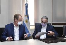El gobernador Gustavo Bordet y el ministro de Agricultura, Ganadería y Pesca de la Nación, Luis Basterra, suscribieron un convenio por el cual el gobierno nacional y provincial financiarán por más de 240 millones de pesos al sector foresto industrial de Entre Ríos.