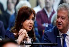 Cristina Kichner y su abogado en la primera audiencia del juicio oral