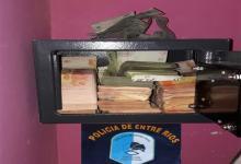 En los allanamientos además de cocaína y marihuana, se secuestró una millonaria suma de dinero.