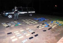 """Personal dependiente del Escuadrón 10 """"Eldorado"""" de Gendarmería Nacional incautó un total de 91 kilos con 916 gramos de marihuana."""
