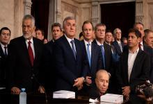 Carlos Menem rodeado de los principales gobernadores del país.