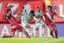 Copa Libertadores: Argentinos volvió a la victoria y se aseguró el primer puesto del grupo