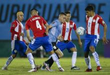 Fútbol: Uruguay y Paraguay empataron sin goles en Montevideo
