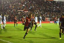 Copa Argentina: por penales, Colón eliminó a Atlético Tucumán y avanzó en el Grella