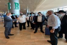 El embajador argentino en Israel, Sergio Urribarri, despidió en el aeropuerto de Tel Aviv a un grupo de rabinos que vendrá a la Argentina para certificar la faena de carne kosher.