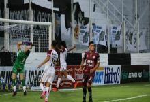 Con un triunfo en Santiago del Estero, Colón se aseguró el primer puesto de su grupo