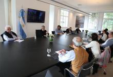 Imagen de archivo del Presidente Alberto Fernández en reunión con parte de su equipo de colaboradores.