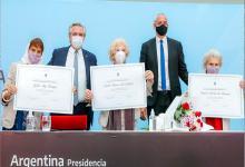 Fernández y Pietragalla con Estela Carlotto, Taty Almeida y Lita Boitano