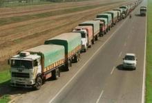 La FETAC convocó a un paro por tiempo indeterminado para el lunes 22 que afectará al transporte de cereales y oleaginosas.