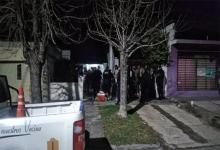 Personal de la Comisaría Quinta de Paraná secuestró dos conservadoras y bebidas alcohólicas, además los presentes fueron notificados por incumplimiento del DNU.