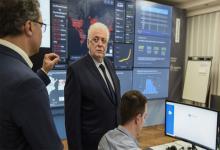 El ministro de Salud, Ginés González García –junto a su par Claudio Moroni, de la cartera laboral-, expondrán en el Senado por teleconferencia sobre la pandemia de coronavirus.