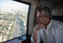 El presidente monitorea desde un helicóptero el cumplimiento de la cuarentena general decretada.