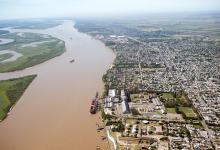 """Carlos Del Frade advierte que la hidrovía es un gran negocio para la concesionaria y para las terminales portuarias, """"que son inquilinas de los puertos, porque el dueño verdadero de los puertos es el pueblo argentino""""."""
