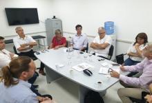 Reunión donde las autoridades salientes del hospital Centenario dan un estado de situación a las autoridades entrantes de ese nosocomio.