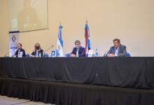 La apertura de sobres contó con la presencia de las autoridades del IAPSER Seguros, del Colegio de Arquitectos y de la ministra de Gobierno y Justicia, Rosario Romero.