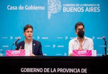 El gobernador Axel Kicillof habla junto al jefe de Gabinete bonaerense, Carlos Bianco