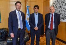 El ministro de Hacienda, Hernán Lacunza y el presidente del Banco Central, Guido Sandleris, en una reunión con el jefe del Departamento del Hemisferio Occidental del FMI, Alejandro Werner.