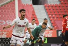 Con un hombre menos, Lanús le ganó a Independiente para ser el dueño exclusivo de la cima