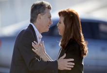 Mauricio Macri saluda a Cristina Kirchner