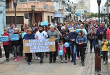 La movilización de ayer pidió por la libertad del sargento de Policía, Mauricio Javier Gómez, imputado de homicidio agravado, por un hecho registrado el miércoles pasado en Gualeguaychú. (Fotografía Gentileza: Ricardo Santellán).
